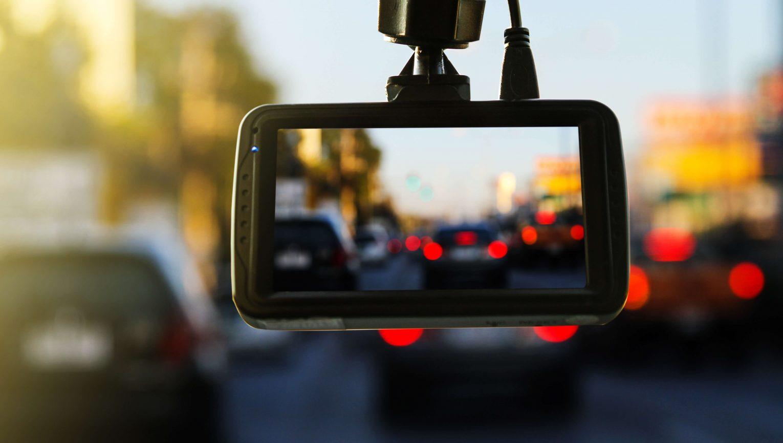 Kamerki samochodowe – dlaczego warto je mieć?